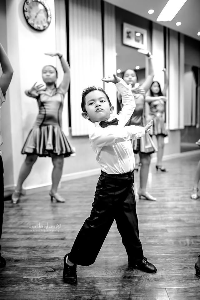 Lên đồ vũ công cực chất, con trai Khánh Thi khiến dân mạng trầm trồ: Kiện tướng tương lai là đây chứ đâu-3