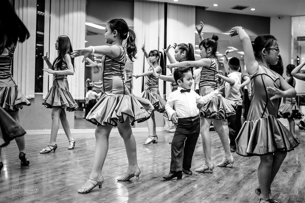 Lên đồ vũ công cực chất, con trai Khánh Thi khiến dân mạng trầm trồ: Kiện tướng tương lai là đây chứ đâu-4