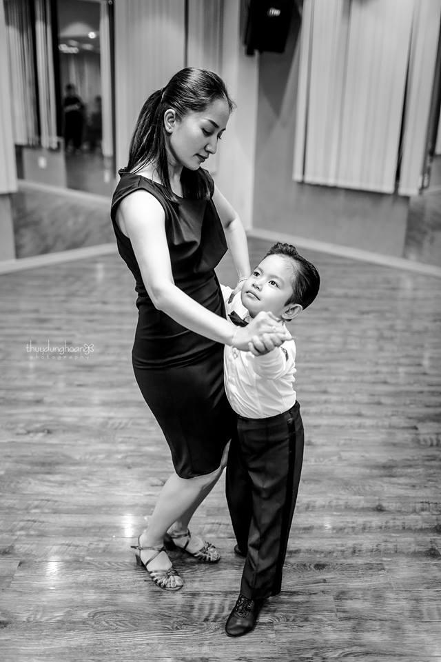 Lên đồ vũ công cực chất, con trai Khánh Thi khiến dân mạng trầm trồ: Kiện tướng tương lai là đây chứ đâu-8