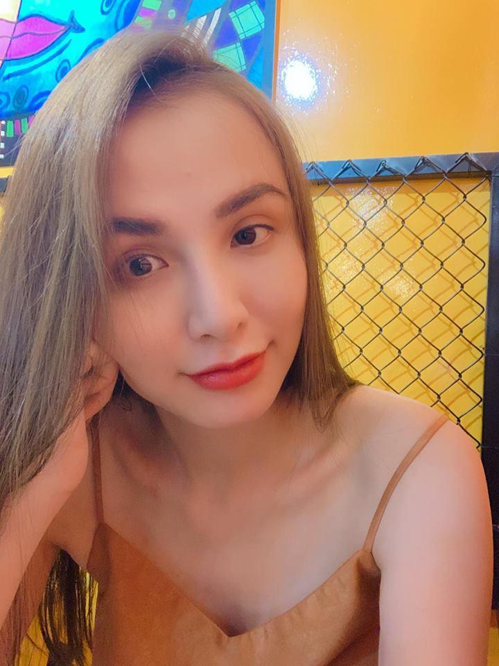 Hoa hậu Diễm Hương làm lố khi mặc áo dài và trang điểm lồng lộn để phục vụ sinh tố-8