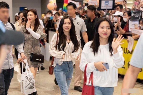 Gọi Red Velvet và fan nhóm là đám khùng điên, cựu thành viên V.Music ăn đủ gạch đá từ cộng đồng mạng-1