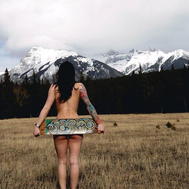 Trào lưu chụp ảnh khỏa thân của giới trẻ Australia khi đi du lịch-1