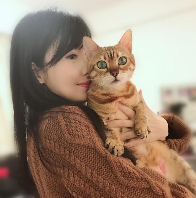 Châu Huệ Mẫn: Tôi thà sống với 20 con mèo còn hơn sinh một đứa trẻ-3