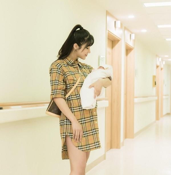 Mới sinh con đầu lòng được 5 tháng, Diệp Lâm Anh lại hồ hởi thông báo mang bầu lần hai-6