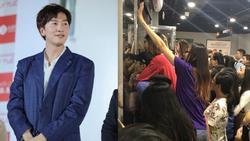 Fan nữ được người yêu cõng lên để có thể nhìn thấy 'hươu cao cổ' Lee Kwang Soo