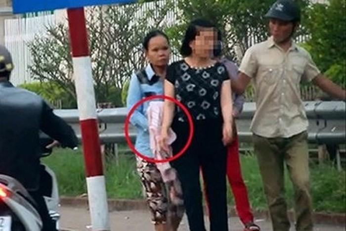 Hai nữ quái bị bắt trước cổng BV Bạch Mai đều là ngựa quen đường cũ-3