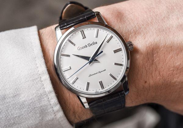"""Kết quả hình ảnh cho đồng hồ đeo tay"""""""