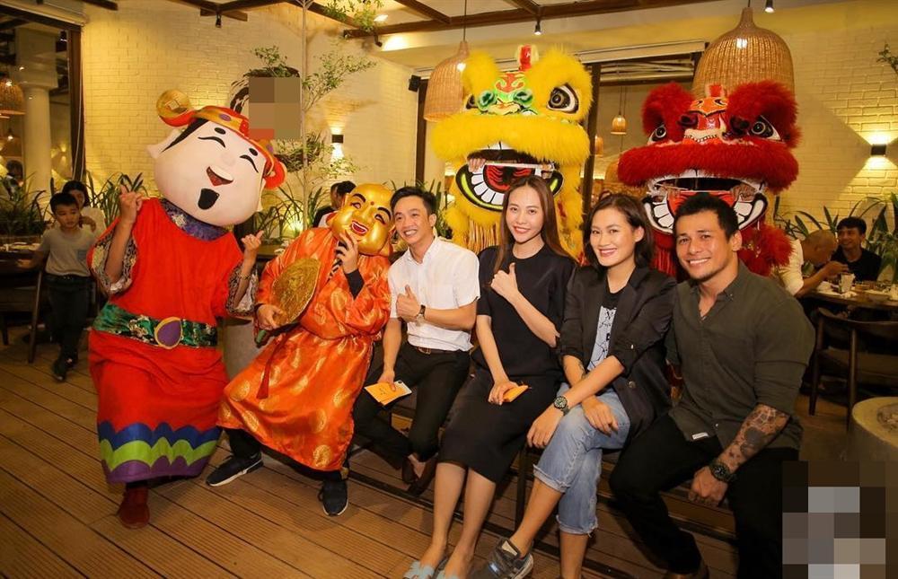 Hoa hậu Thu Thảo bỗng dưng thấy mình giống kẻ bắt cóc trẻ em-3