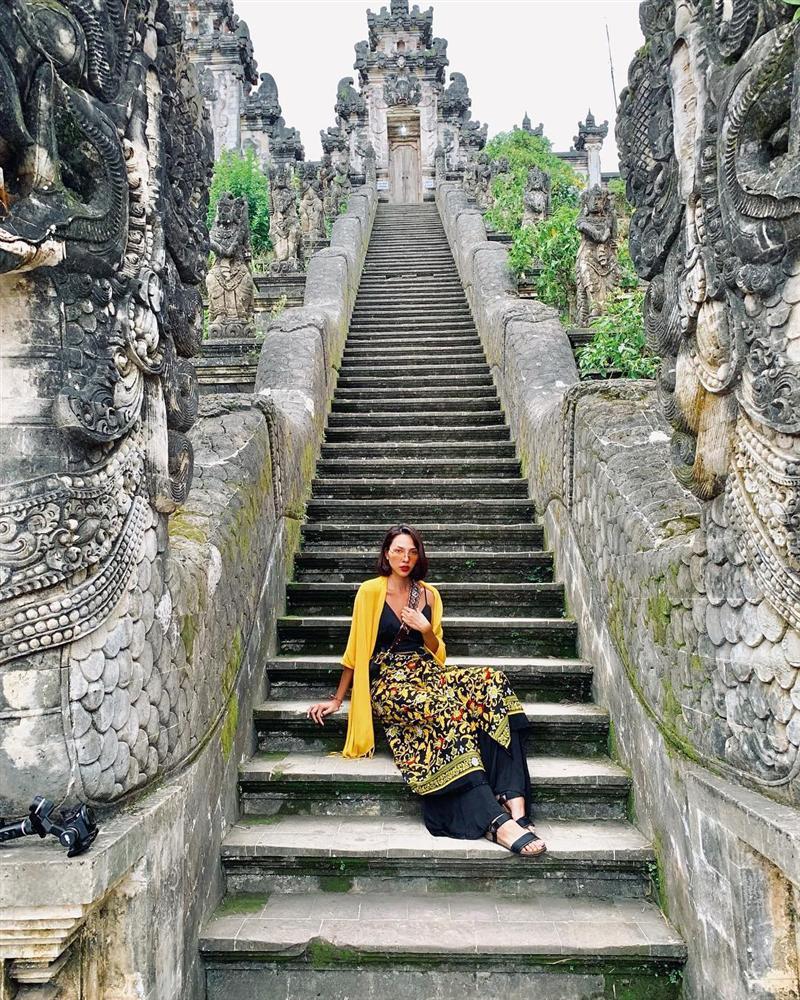 Hoa hậu Thu Thảo bỗng dưng thấy mình giống kẻ bắt cóc trẻ em-8