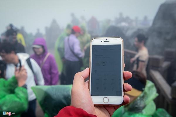 Du khách tận hưởng giá lạnh 13 độ C giữa kỳ nghỉ lễ ở Sa Pa-4