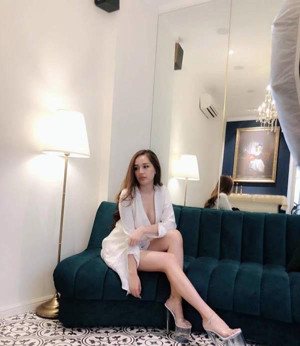 Những pha đi giày cáo gót nhìn muốn rợn tóc gáy của người đẹp Việt-6