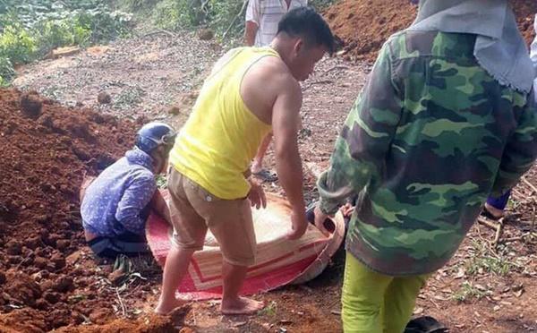 Truy bắt anh rể cũ, kẻ chém chết vợ chồng em vợ ở Yên Bái-1