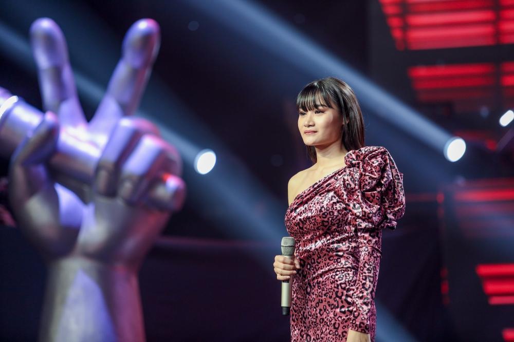 Giọng Hát Việt: Xuất hiện nữ thí sinh chuyển giới và công chúa biết hát khiến 4 HLV giật mình đánh thót vì bất ngờ-11