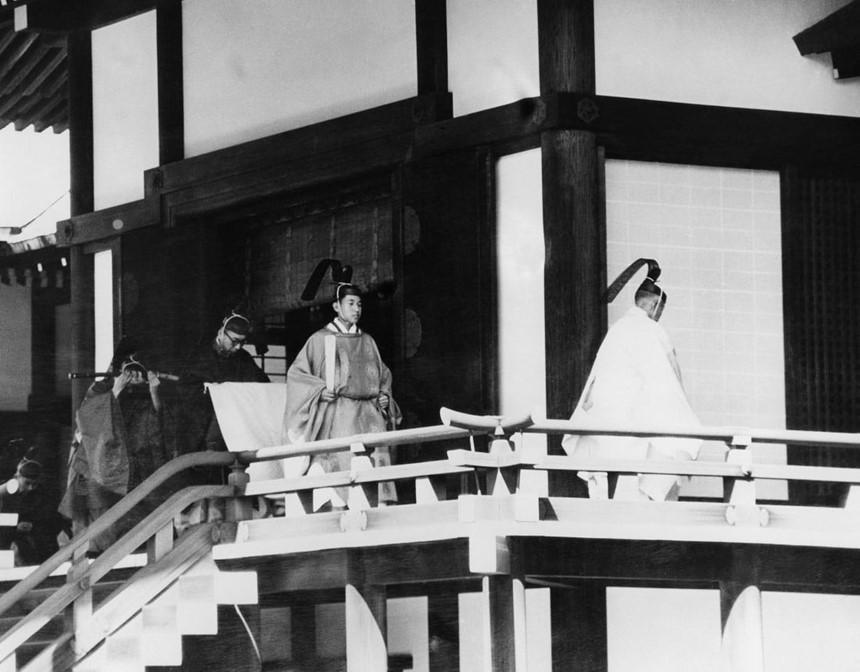 Chuyện tình thế kỷ của Nhật hoàng Akihito và Hoàng hậu Michiko-5