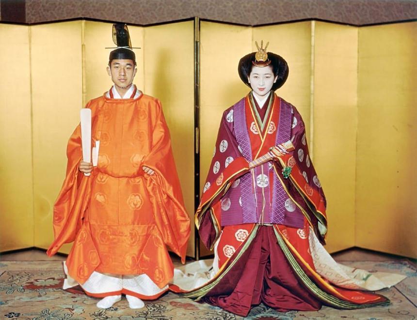 Chuyện tình thế kỷ của Nhật hoàng Akihito và Hoàng hậu Michiko-6