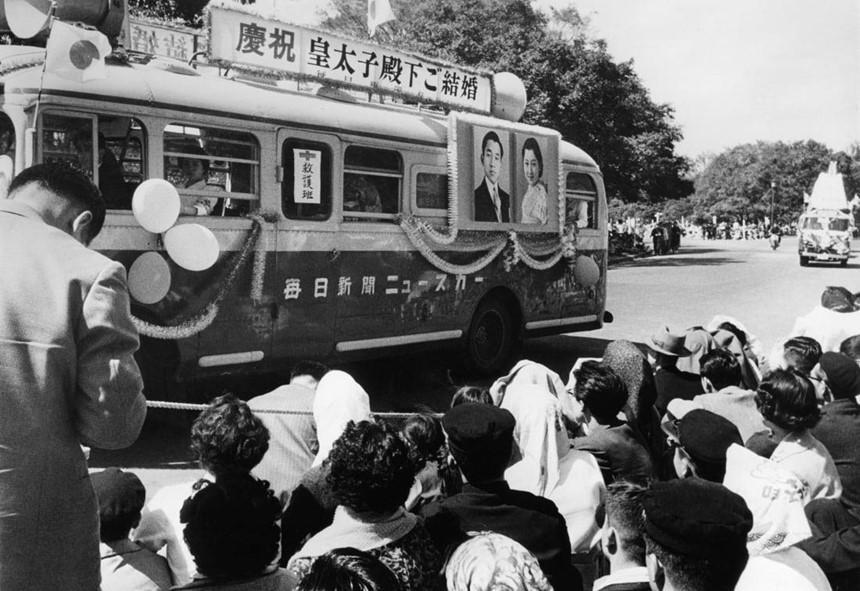 Chuyện tình thế kỷ của Nhật hoàng Akihito và Hoàng hậu Michiko-12