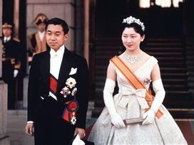 Chuyện tình thế kỷ của Nhật hoàng Akihito và Hoàng hậu Michiko