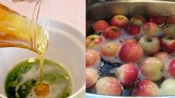 Rửa rau bằng NƯỚC MUỐI tưởng sạch hóa ra SAI: Tự làm nước rửa rau củ hết sạch hóa chất với 2.000 đồng