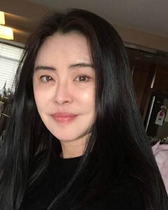Ngọc nữ số 1 Hong Kong Vương Tổ Hiền: nhan sắc tỏa sáng ngay cả trên giường bệnh-8