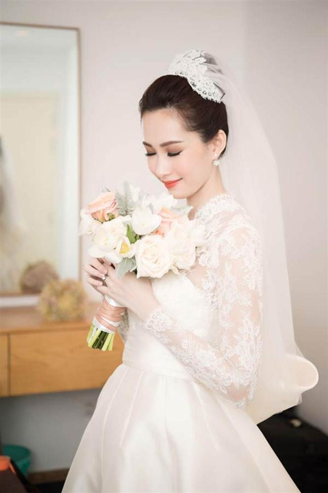 Những bộ váy cưới đẹp nhất mỹ nhân Việt từng khoác lên người-7