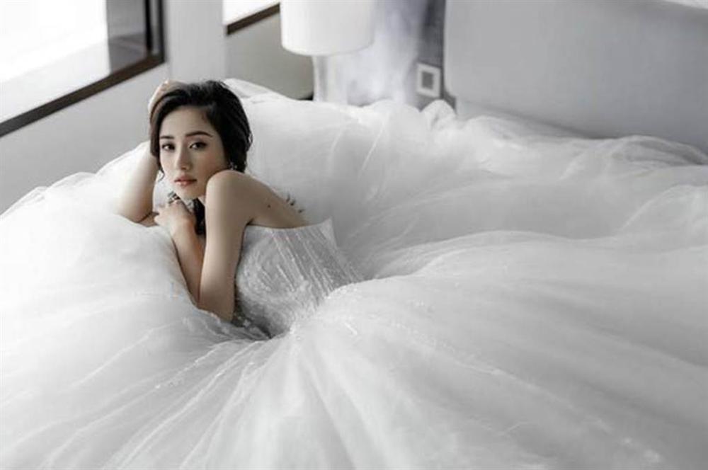 Những bộ váy cưới đẹp nhất mỹ nhân Việt từng khoác lên người-12