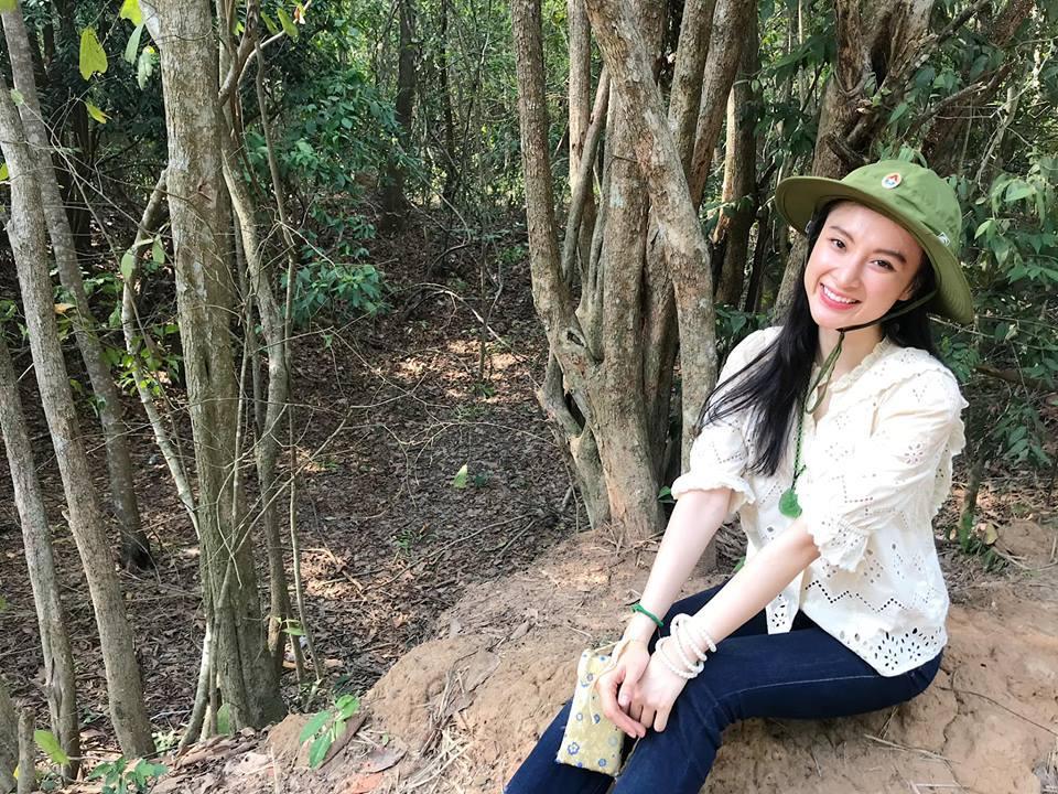 LẠ ĐỜI CHƯA: Bỏ qua mọi thú vui, Angela Phương Trinh - Nhã Phương nghỉ lễ ở những địa điểm cực kỳ khó tin-3