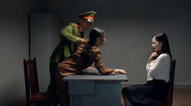 Bị tống giam vào tù, tiểu tam Phương Oanh nổi điên lao vào đánh nàng dâu Lan Phương-2