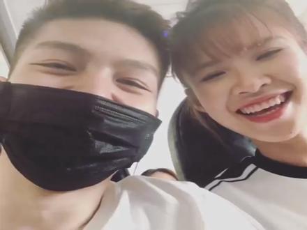 Cười ngất với pha tấu hài cực mạnh của vợ chồng Khởi My - Kelvin Khánh trong vlog du lịch có 1-0-2