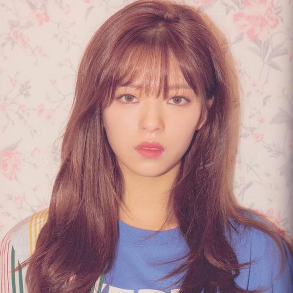 Cùng để tóc dài nhưng nếu Jeong Yeon (Twice) được fan Việt khen ngợi thì fan Hàn lại chê tơi tả-4