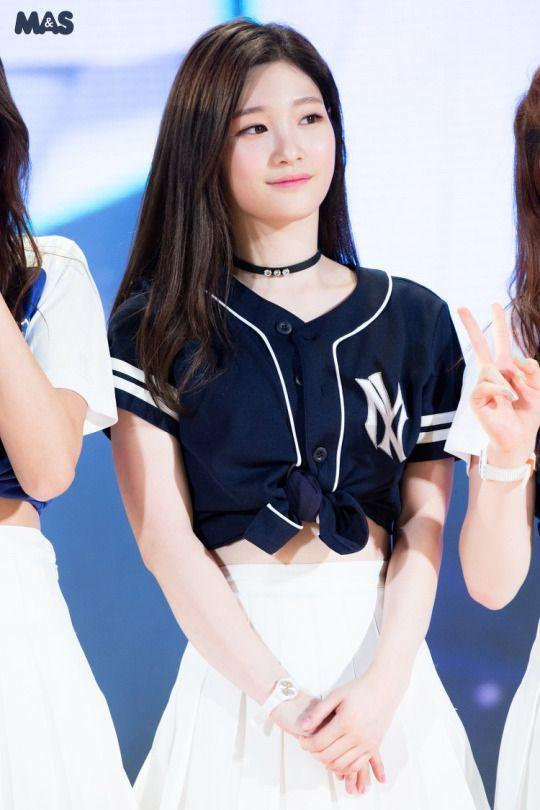 Những nữ idol KPop không ngại công khai phẫu thuật thẩm mỹ và được khen tới tấp vì dao kéo quá thành công-4