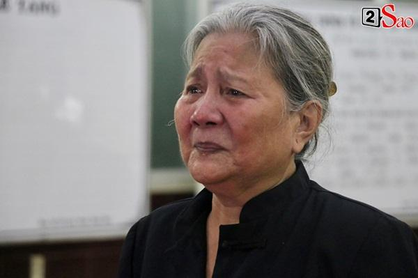 Diễn viên Kiều Trinh, NSƯT Lê Thiện khóc nghẹn khi nhìn mặt người đã khuất-5
