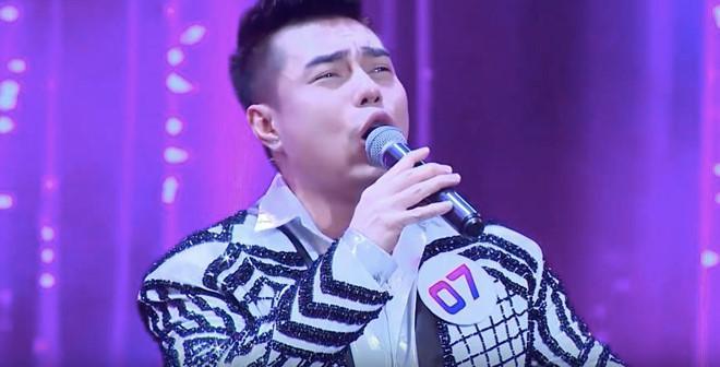 Đảm nhiệm vai trò khách mời gameshow, Lê Dương Bảo Lâm khiến người xem khó chịu vì liên tục chế lời ca khúc kinh điển-2
