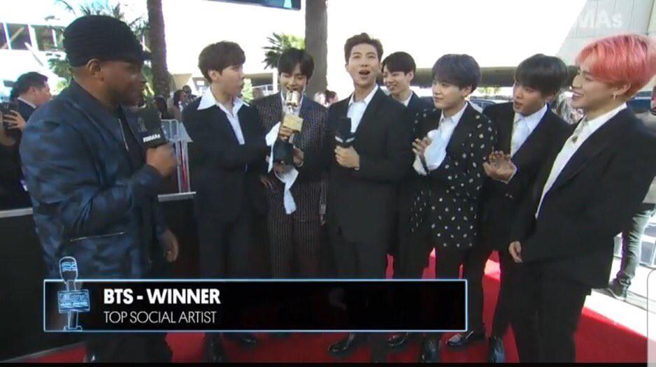Ẵm trọn bộ đôi cúp vàng Billboard Music Awards 2019, BTS lập kỳ tích chưa từng xảy ra trong làng nhạc Hàn Quốc-2