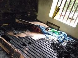 Hà Nam: Bực tức sau cuộc cãi vã, con gái mua xăng đốt mẹ lúc nửa đêm