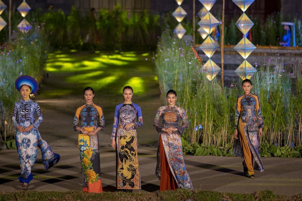 Gái hư Hồng Quế nền nã đến lạ trong tà áo dài lấy cảm hứng từ văn hóa triều Nguyễn-3