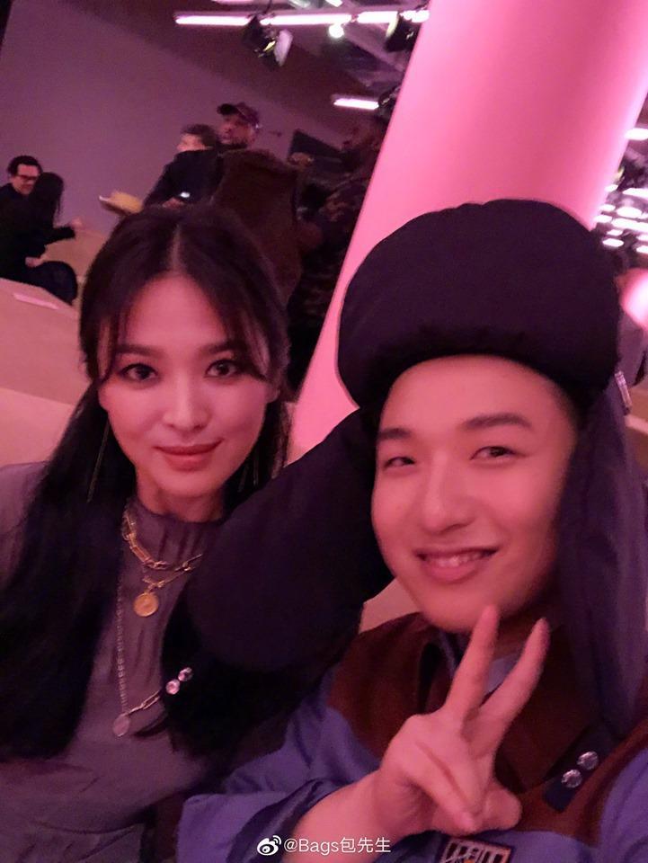 Song Hye Kyo đẹp lộng lẫy đi sự kiện nhưng nhẫn cưới đã không cánh mà bay-1