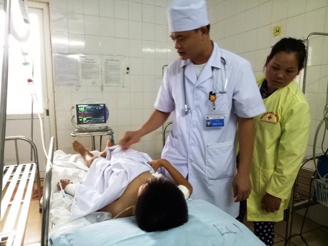 Bế trò đi cấp cứu, cô giáo Thanh Hóa không biết em đã chết-2
