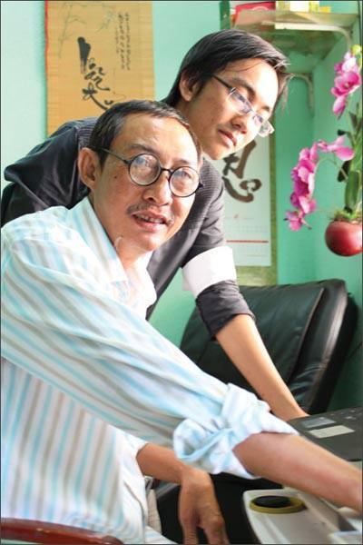 Con trai nghệ sĩ Lê Bình: Ba muốn rải tro cốt xuống biển Vũng Tàu để không phiền con cháu đời sau-2