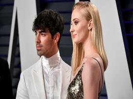 Bồ cũ của Taylor Swift làm đám cưới với bạn gái xinh đẹp ngay sau lễ trao giải Billboard 2019