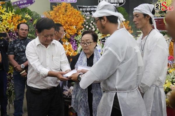 Tâm nguyện cao đẹp của cố nghệ sĩ Lê Bình được hoàn thành: 100 triệu trị bệnh dư đã làm từ thiện-1