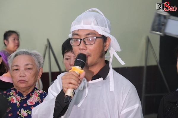 Vợ cũ và các con của cố nghệ sĩ Lê Bình xót xa nhìn linh cữu được đưa đi hỏa táng-4