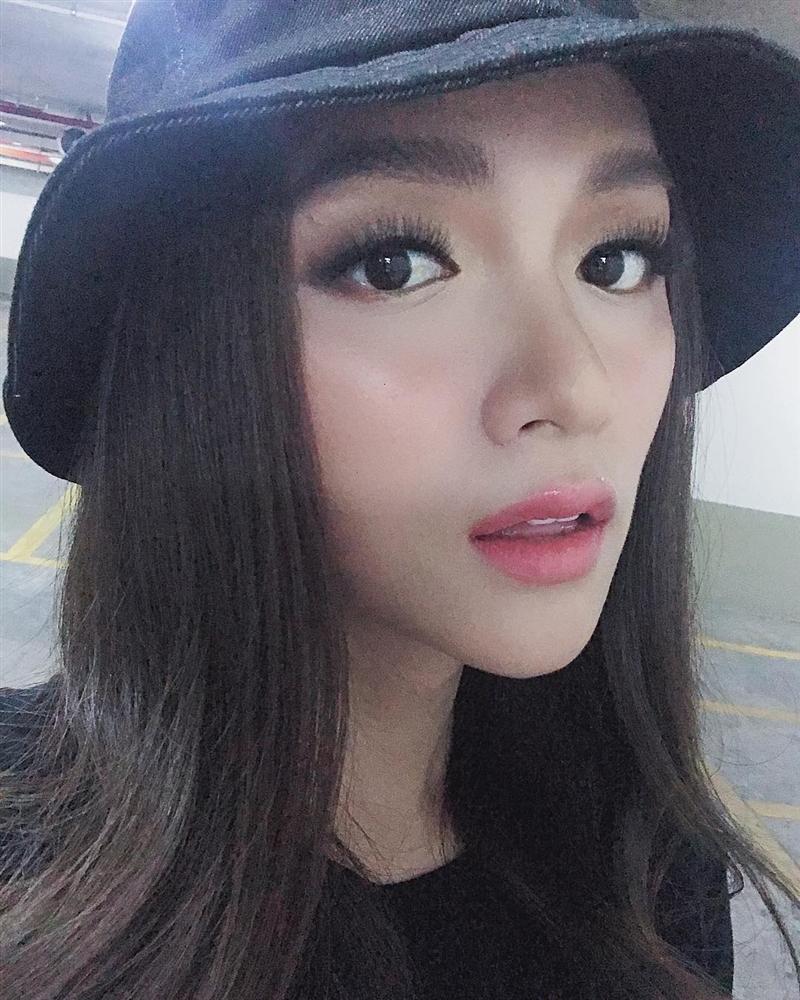 Tự khen mình đẹp kiêu sa và đài các, Hương Giang không ngờ bị phản ứng mạnh: Khác gì con cá trê-2