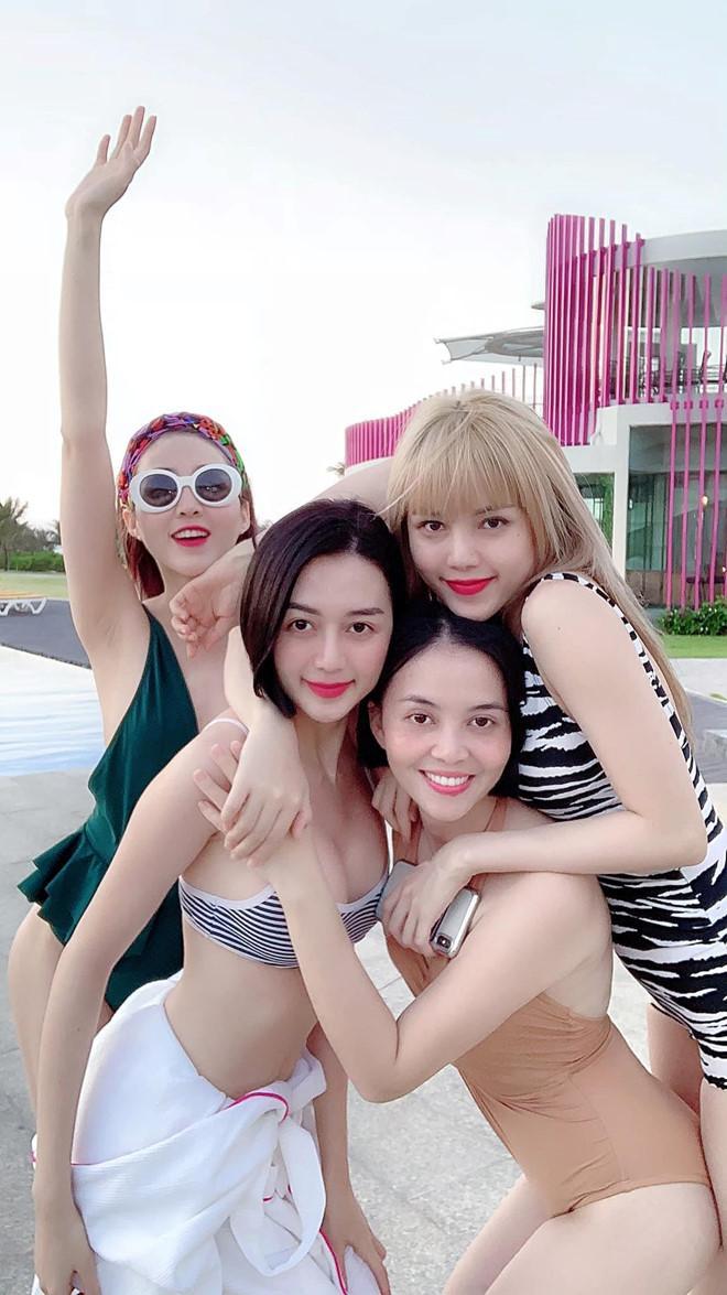 Những cặp chị em gái được khen ngợi về nhan sắc của showbiz Việt-5