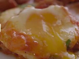 Trứng 'địa ngục' kèm bánh mì dễ làm cho bữa sáng