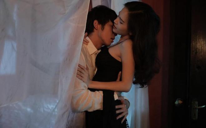 Thánh nữ Mì Gõ Phi Huyền Trang và clip 8s đình đám nhất MXH hôm nay: Quá khứ từng bị người yêu bỏ vì đóng cảnh nóng, cặp kè Anh Đức để PR phim-6