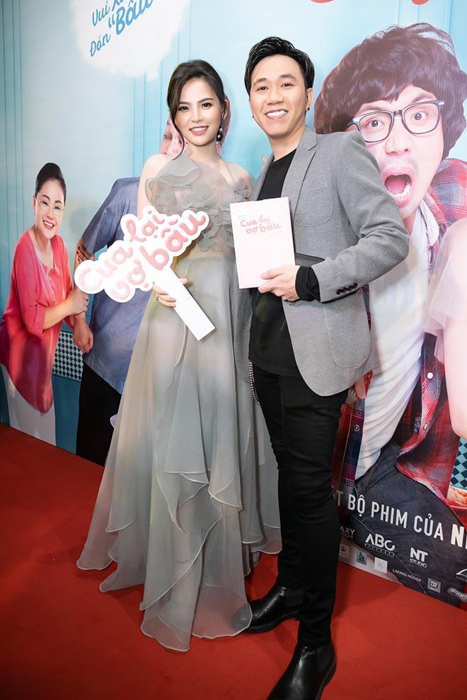 Thánh nữ Mì Gõ Phi Huyền Trang và clip 8s đình đám nhất MXH hôm nay: Quá khứ từng bị người yêu bỏ vì đóng cảnh nóng, cặp kè Anh Đức để PR phim-8