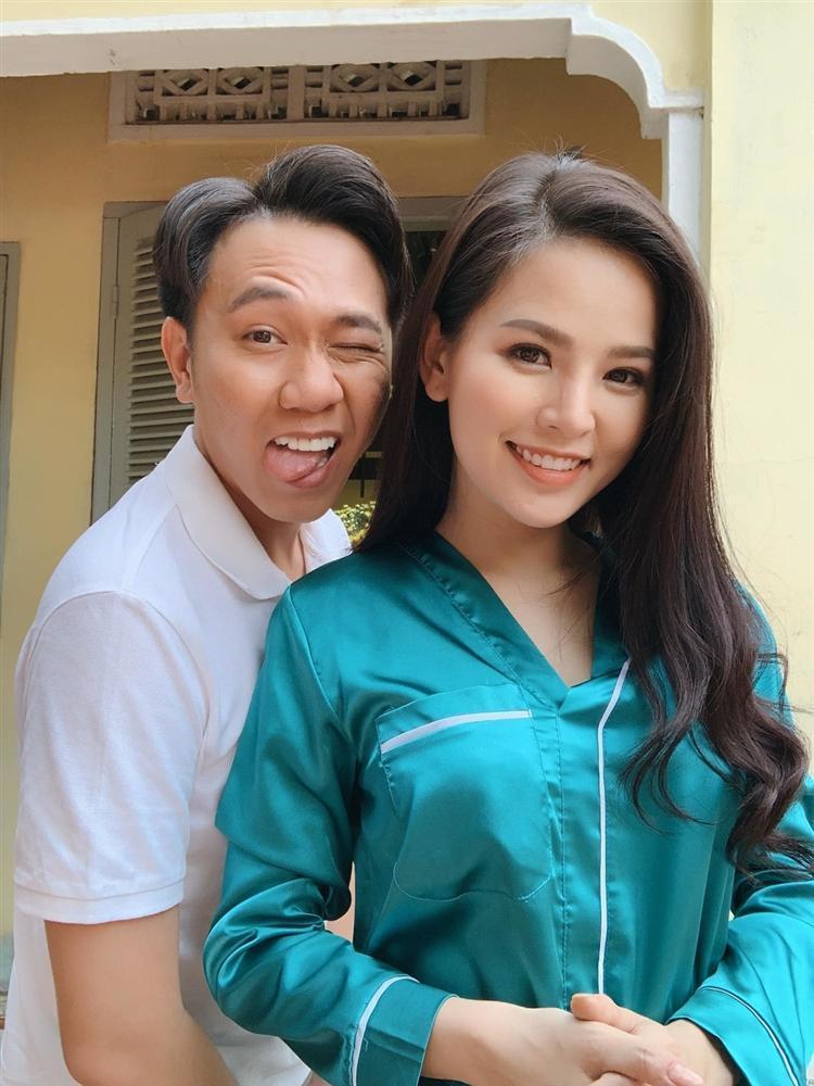 Thánh nữ Mì Gõ Phi Huyền Trang và clip 8s đình đám nhất MXH hôm nay: Quá khứ từng bị người yêu bỏ vì đóng cảnh nóng, cặp kè Anh Đức để PR phim-9