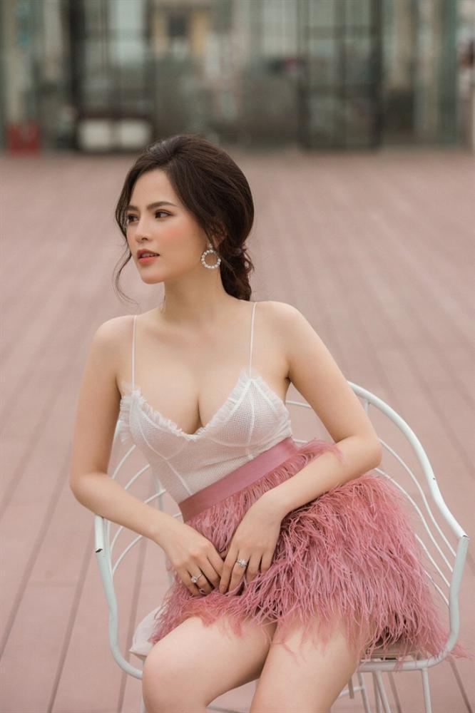 Thánh nữ Mì Gõ Phi Huyền Trang và clip 8s đình đám nhất MXH hôm nay: Quá khứ từng bị người yêu bỏ vì đóng cảnh nóng, cặp kè Anh Đức để PR phim-4