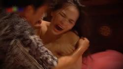 Trước nghi án lộ clip nóng 8s, 'thánh nữ Mì Gõ' Phi Huyền Trang từng gây sốc với cảnh bị cưỡng hiếp lộ ngực trần phản cảm