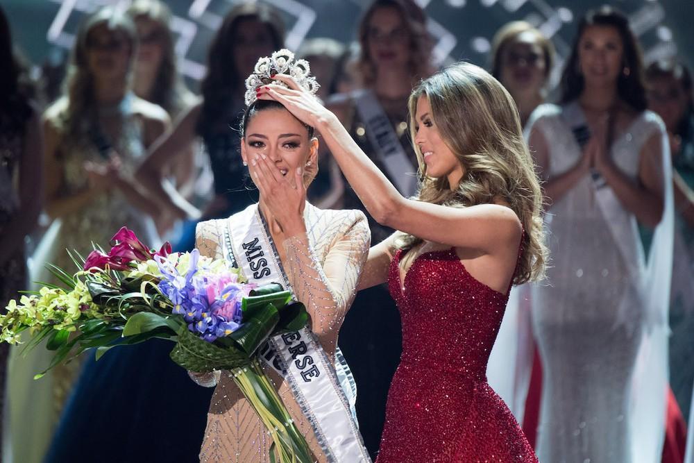 Hoa hậu Hoàn vũ xót thương tột độ khi em gái ruột qua đời ở tuổi 13-6